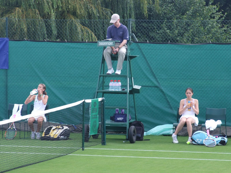 A 90 second break for Amy Ellis at the Road To Wimbledon 2008.