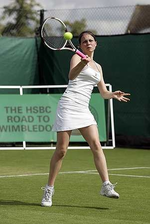 Amy Ellis in action at the Road To Wimbledon 2008.